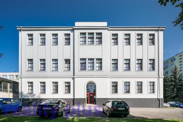 Pronájem nového mezonetového bytu 1+kk v Liberci, ul. Švermova BEZ PROVIZE RK