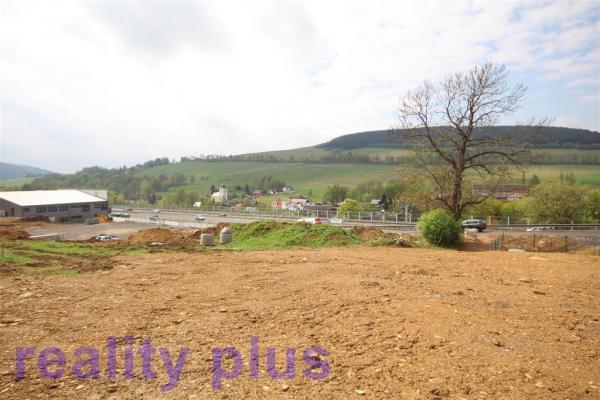 Prodej komerčního pozemku se stavebním povolením v obci Jeřmanice